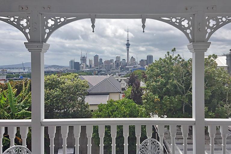 Blick vom Balkon unseres Zimmes im Ponsonby Manor House, Auckland, Neuseeland