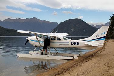 wasserflugzeug, wings & water, te anau, neuseeland