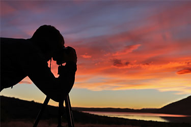 Dirk fotografiert den Sonnenuntergang am Lake Tekapo, Neuseeland