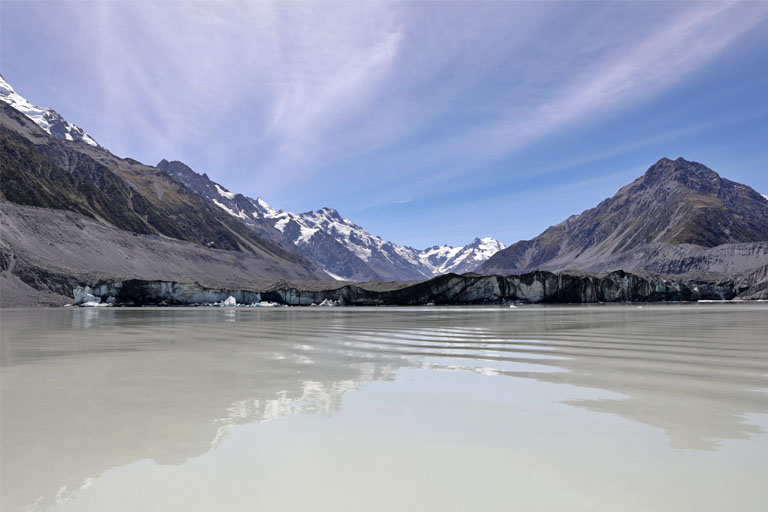 tasman lake mit spiegelung, aoraki mt. cook, neuseeland